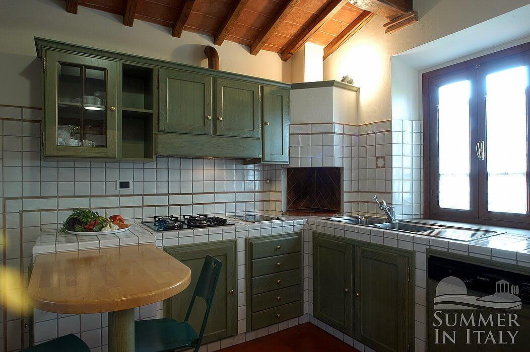 Villa viviana a appartamento ammobiliato in montaione for Arredo casa montaione