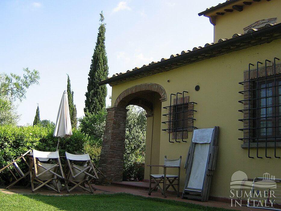 Casa bonaventura f villa in affitto in montaione toscana for Arredo casa montaione