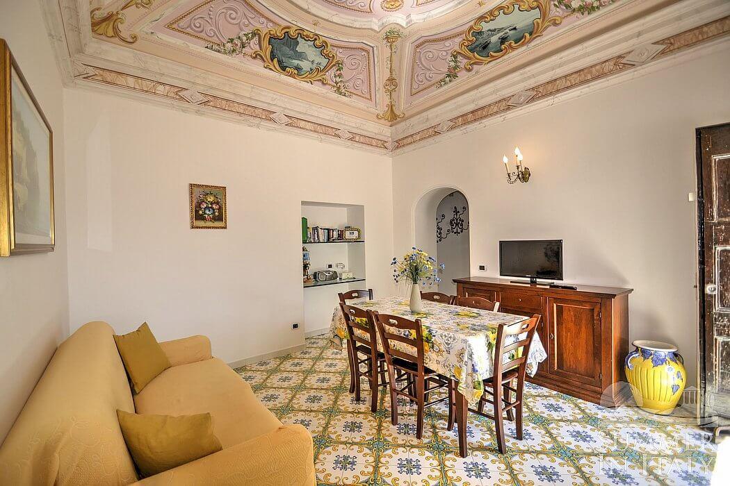 Soffitto A Volta Affrescato : Villa amanda: casa vacanza in praiano costiera amalfitana italy