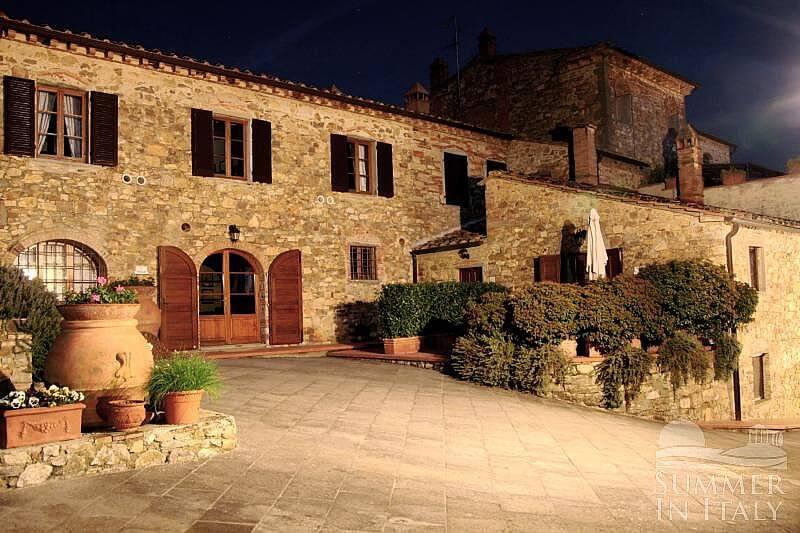 Borgo bello g appartamento ammobiliato in bucine toscana for 5 piani casa in stile ranch da camera da letto