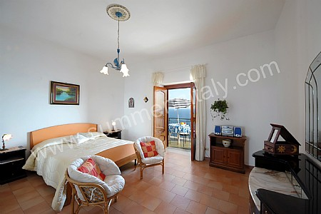 Casa giuliana a casa in praiano costiera amalfitana italy - Bagno italia giuliana ...