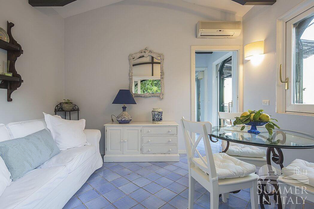 Villa albarosa c appartamento ammobiliato in vietri sul mare costiera amalfitana italy - Ceramiche di vietri cucina ...