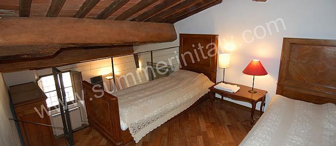 Appartamento edmondo a appartamento ammobiliato in san - Soppalchi in legno per camere da letto ...