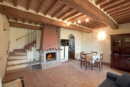 Casa grifone c appartamento ammobiliato in camucia di for Aziende arredamento toscana