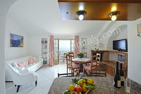 Arredamento Soggiorno Casa Al Mare : Casa licia: casa in praiano costiera amalfitana italy