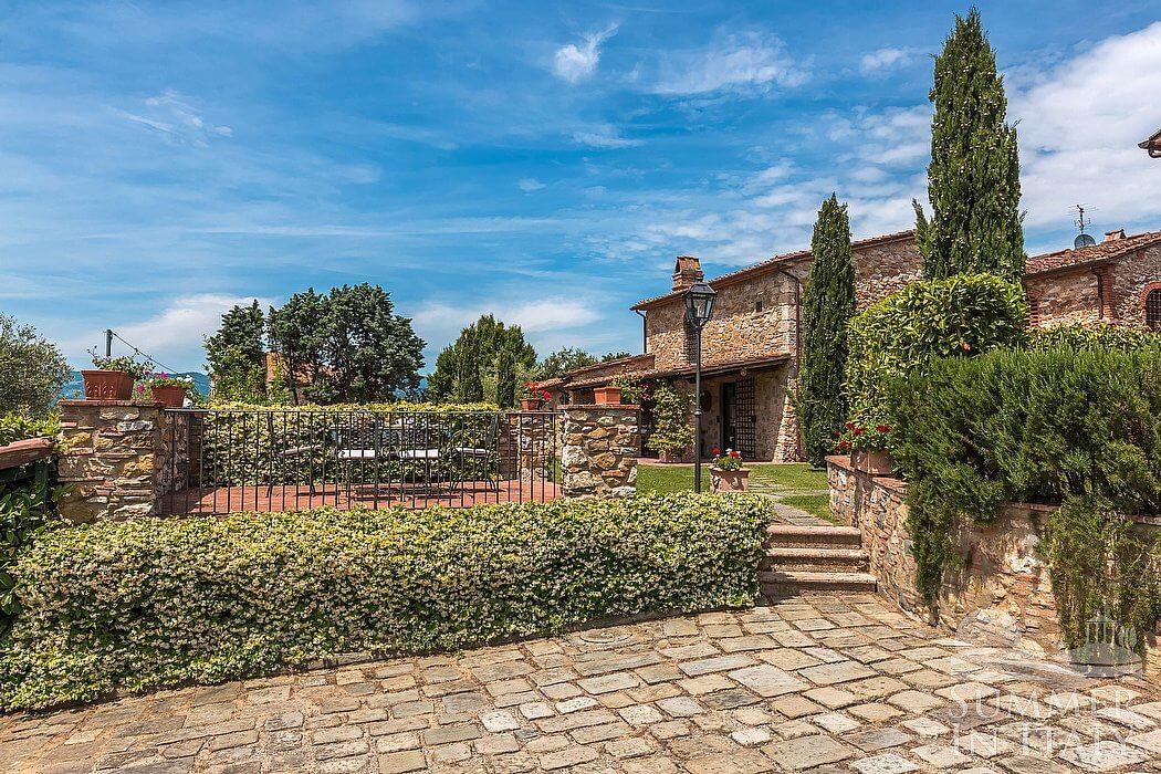 Villa eccelsa villa in affitto in monsummano terme for Layout della palestra di 3000 piedi quadrati