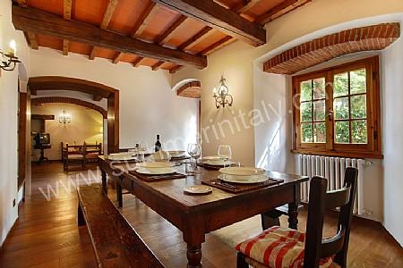 Villa belletto villa in affitto in reggello toscana italy for 3 piani casa in stile ranch da camera da letto