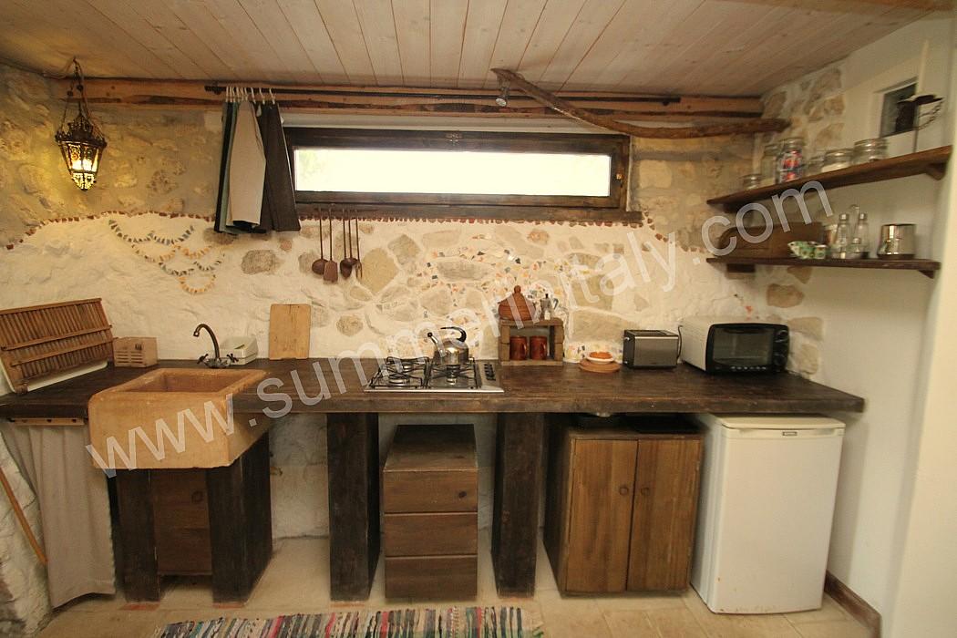 Casa nicole b appartamento ammobiliato in lizzanello for Arredamento rustico casa