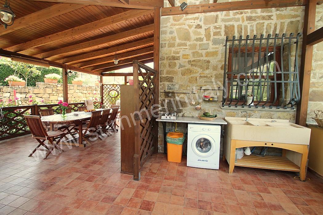 Angolo Lavanderia Terrazzo : Casa turchino a: appartamento ammobiliato in santa maria di