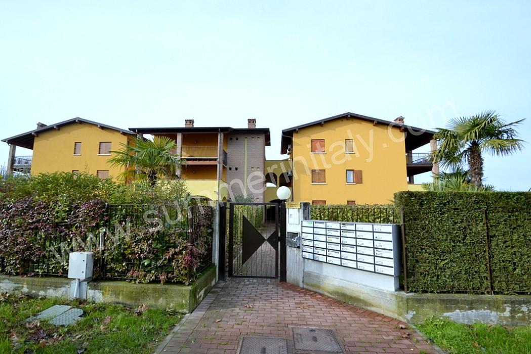 Appartamento catullo appartamento ammobiliato in sirmione for Piani di casa vacanza lago