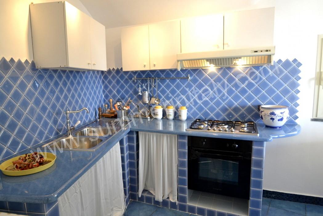 Piastrelle cucina azzurre piastrelle bagno azzurre yi87 regardsdefemmes piastrelle ragno per - Vendita piastrelle genova ...