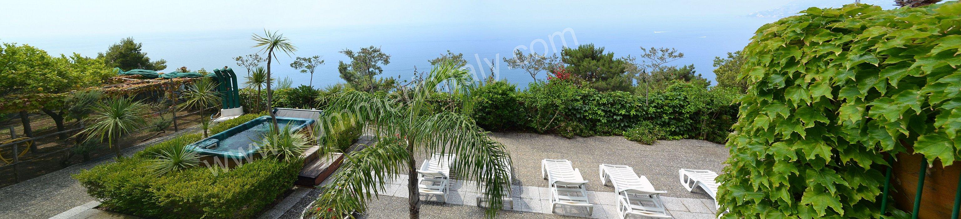 Villa saracena piccola villa in affitto in maiori for Piani casa costiera