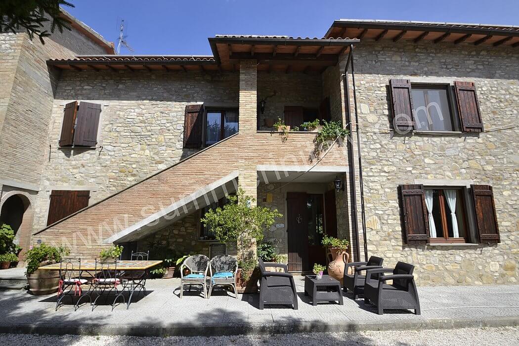 Casa campanella b appartamento ammobiliato in ramazzano for Case vacanza budoni e dintorni