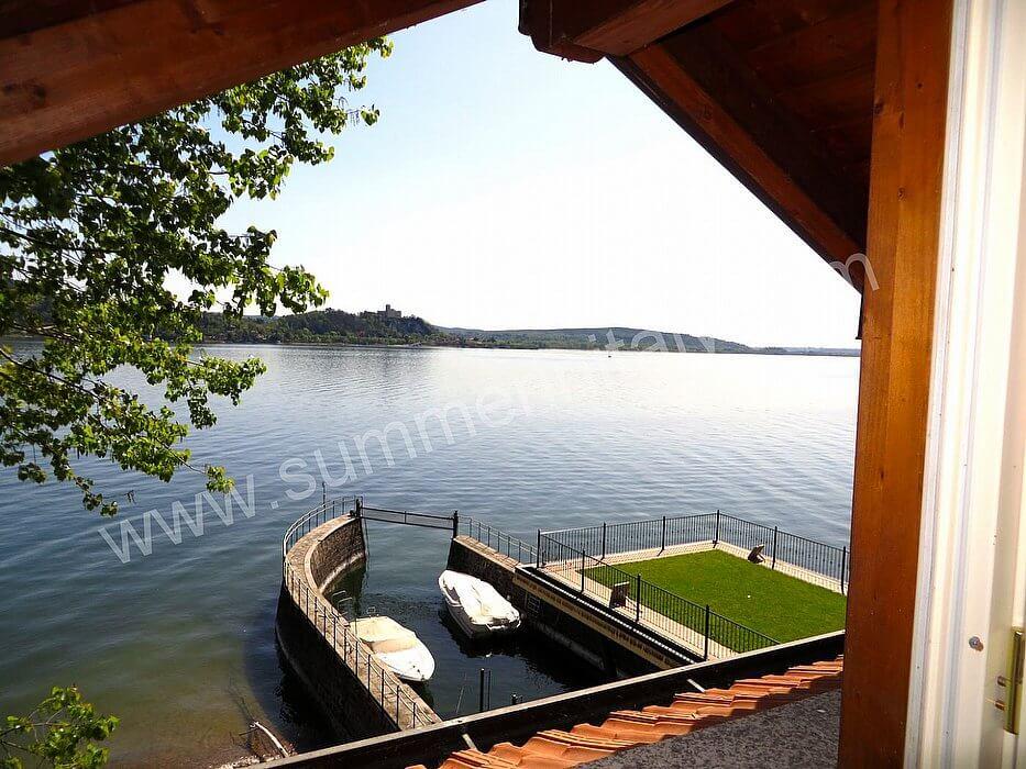 Villa diaspro d appartamento ammobiliato in meina lago for Quattro piani di casa camera da letto ranch