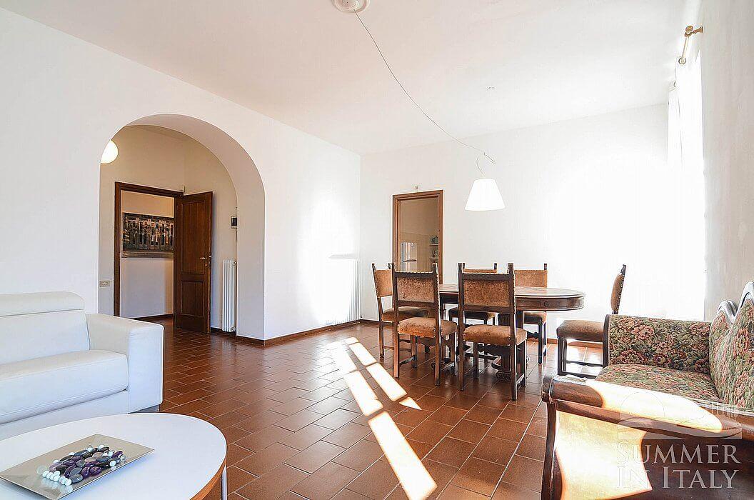 Appartamento luccio a appartamento ammobiliato in for Planimetrie dell appartamento del garage di una camera da letto