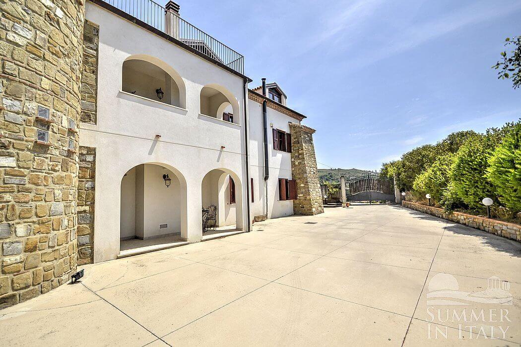 Villa filarina villa in affitto in agropoli parco del for Tre piani di casa camera da letto ranch
