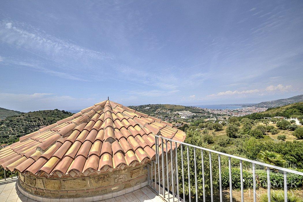 Villa filarina villa in affitto in agropoli parco del for 3 piani di camera da letto 2 bagni piani 1 storia