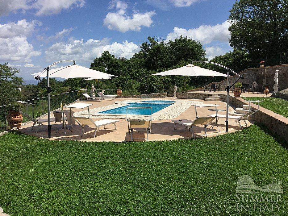 Villa rinalda c appartamento ammobiliato in montefiascone for Piani di casa di 5000 metri quadrati con seminterrato